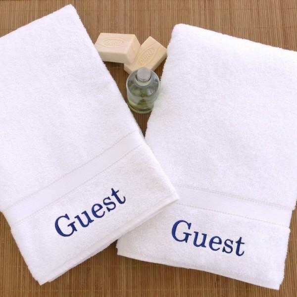 Toalla de invitados bordada