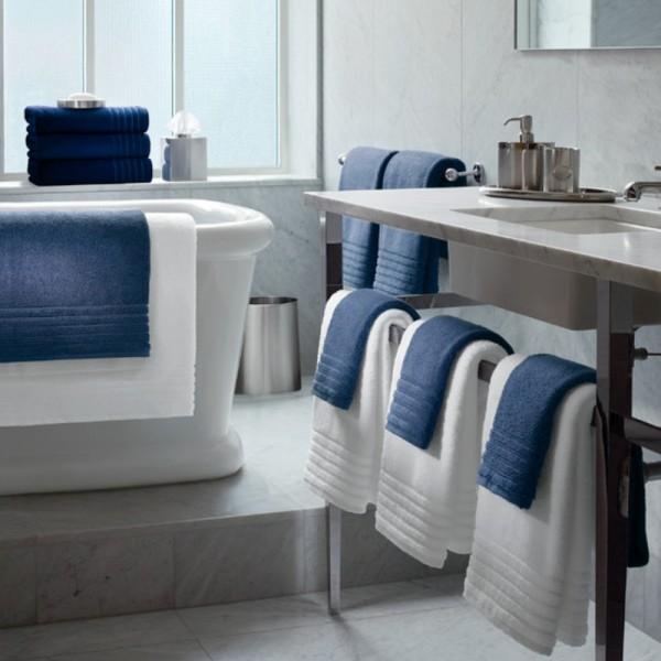 Toallas de baño en rizo 100% algodón con cenefa jacquard de algodón ton / ton. Diseño hostelería. Baño y spa. Se puede hacer en varios tamaños y colores.